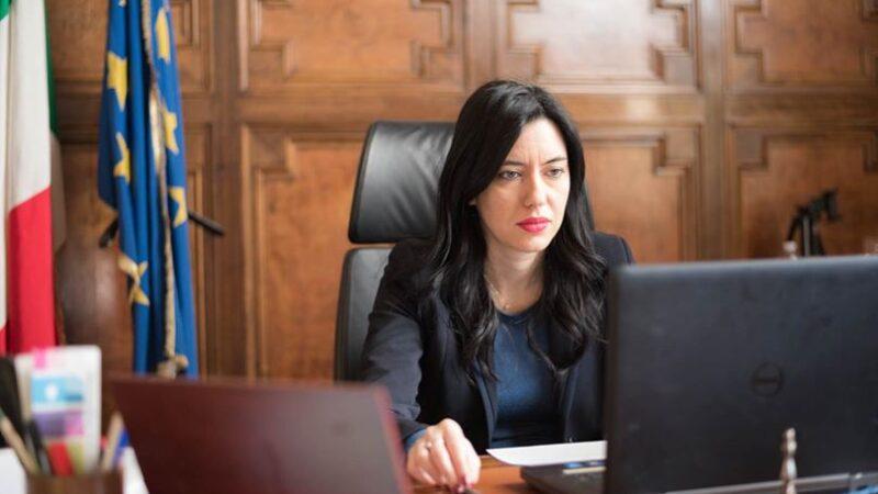Scorte ai politici: con Lucia Azzolina sono tre in meno di una settimana