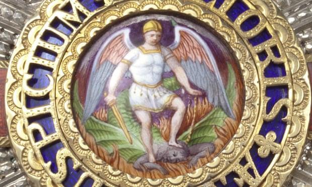 Una catena di Sant'Antonio per cancellare San Michele