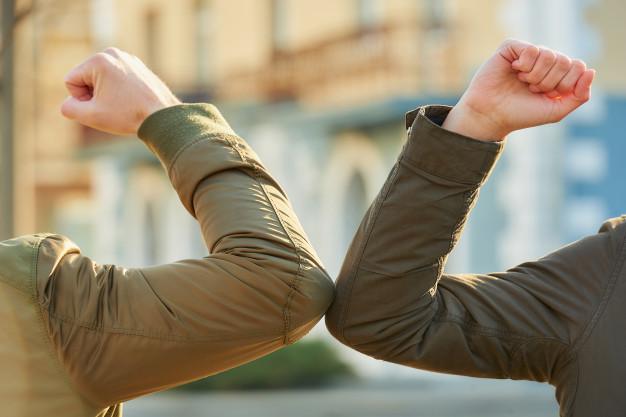 Oms: addio al saluto col gomito
