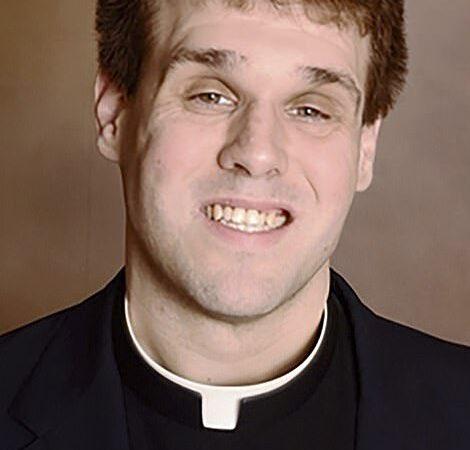 Sadomasochismo sull'altare: arrestato sacerdote americano
